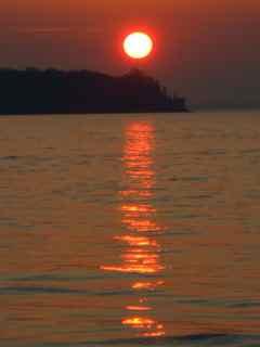 c-red-sun.jpg